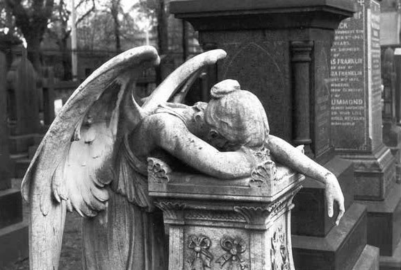 angel of gothic tombstone - photo #12