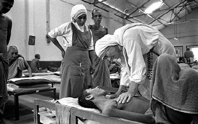 Mother Teresa Feeding The Poor Mother Teresa | Coming...