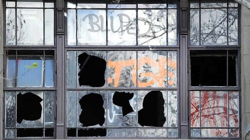 art-Argus-broken-windows-620x349